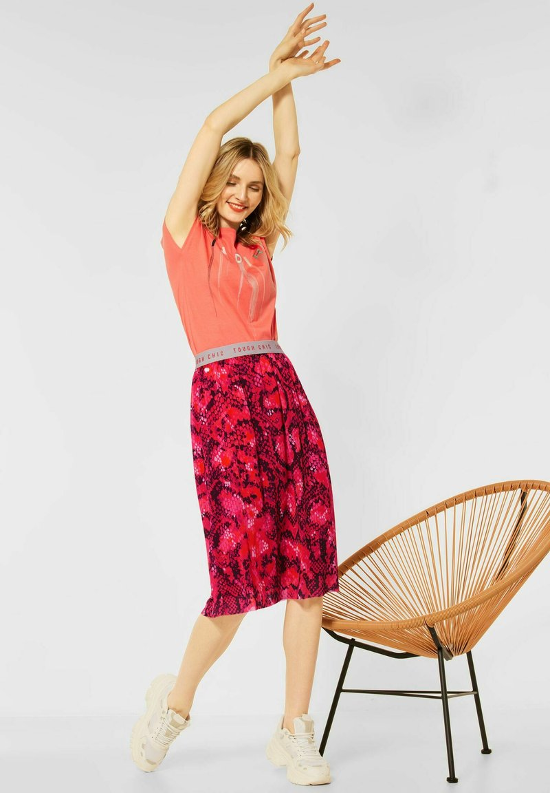 Street One - Pleated skirt - rot