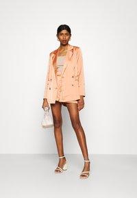 Fashion Union - TUSCANY - Blazer - apricot - 1