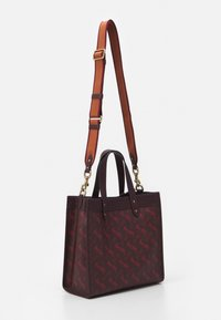 Coach - HORSE AND CARRIAGE TOTE - Handbag - oxblood cranberry - 1