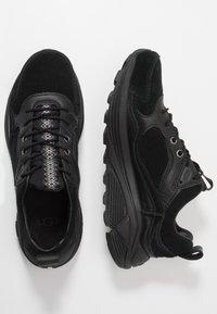 UGG - MIWO TRAINER - Sneakersy niskie - black - 1