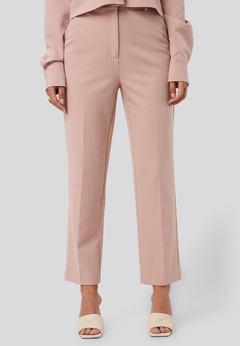 NA-KD - TAILORED CROPPED - Trousers - dusty pink