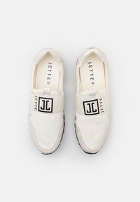 JETTE - Nazouvací boty - white - 5