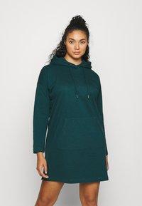 Vero Moda Curve - VMOCTAVIA DRESS - Denní šaty - sea moss - 0
