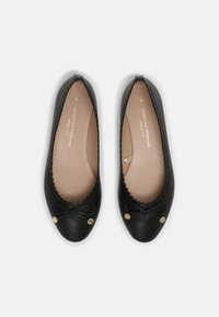 Dorothy Perkins Wide Fit - PEACE SCALLOP  - Ballerina's - black - 4