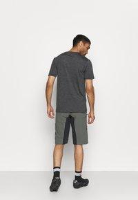 Zimtstern - TAURUZ EVO SHORT MENS - Sports shorts - gun metal/pirate black - 2
