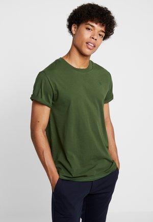 SHELO - Basic T-shirt - deep nuri green