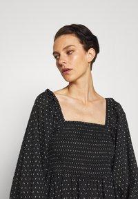 Bruuns Bazaar - ASTER SMOCK DRESS - Vestito estivo - black - 3