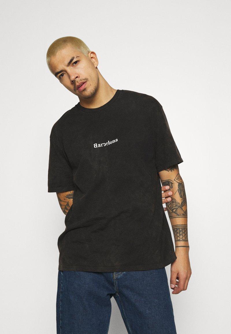 Topman - MALMO PRINT TEE - T-shirt med print - grey