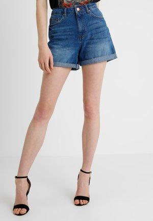 NMBE LIV STRAIGHT - Shorts di jeans - medium blue denim