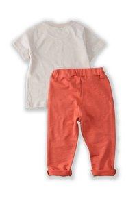 Cigit - T-SHIRT AND JOGGING SET - Tracksuit bottoms - beige - 2