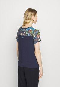 Desigual - VIENA - T-shirts med print - blue - 2