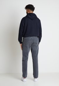 Tommy Hilfiger - B&T MADISON STR AMES  - Straight leg jeans - grey denim - 2