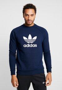 adidas Originals - TREFOIL CREW UNISEX - Sweatshirt - collegiate navy - 0