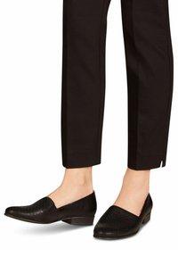 Tamaris - Business loafers - black struct - 0