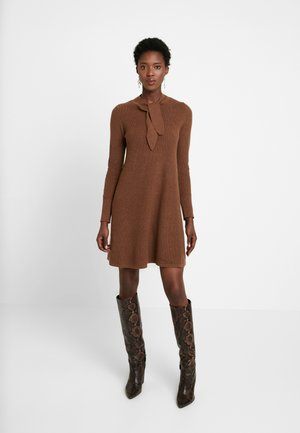 SKIN TIE - Jumper dress - toffee