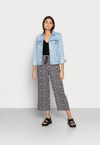 Lindex - TROUSERS BELLA CROPPED - Pantalones - navy - 1