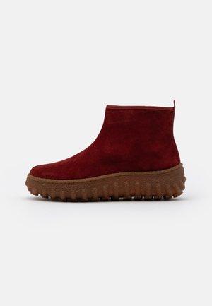 GROUND - Ankle boots - dark red