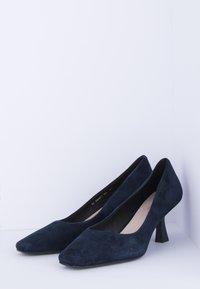 TJ Collection - Classic heels - dark blue - 2