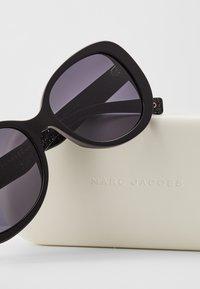 Marc Jacobs - Lunettes de soleil - black - 3