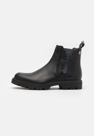 RIDGACRE CHELSEA BOOT - Kovbojské/motorkářské boty - black