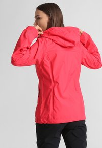 Columbia - POURING ADVENTURE JACKET - Hardshell jacket - red camellia/white - 1