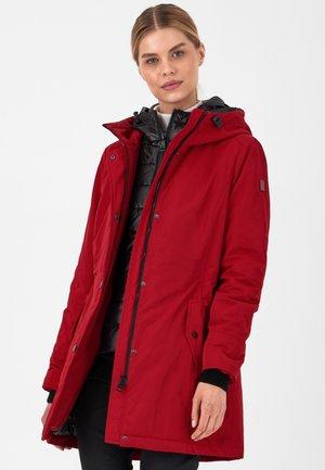 CITY - Winter coat - rot