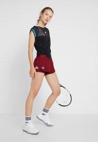 adidas Performance - CLUB SHORT - Sports shorts - burgunder - 1
