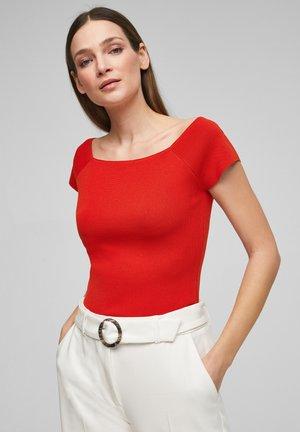 Basic T-shirt - burning red