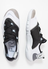 Nike Performance - FREE RN 5.0 2020 - Minimalist running shoes - white/black/obsidian mist - 1