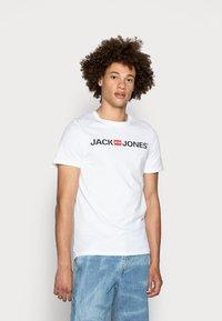 Jack & Jones - JJECORP LOGO CREW NECK  - T-shirt con stampa - white - 0