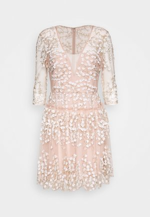 EVE DRESS - Cocktail dress / Party dress - bare pink