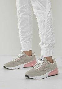 British Knights - Trainers - grey/pink - 0