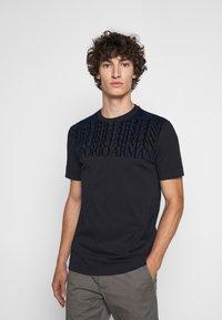 Emporio Armani - Print T-shirt - dark blue - 0