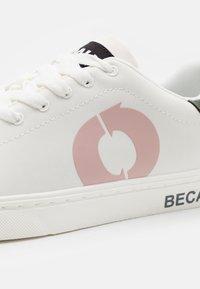 Ecoalf - SANDFORD KIDS UNISEX - Sneakers laag - pink - 5