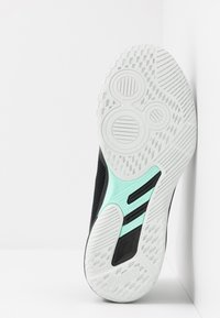 ASICS - NETBURNER BALLISTIC FF - Volejbalové boty - black/pure silver - 4