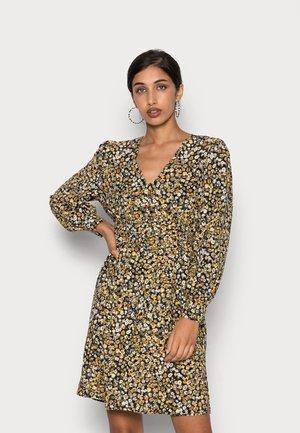 VMUNA DRESS - Shirt dress - chai tea