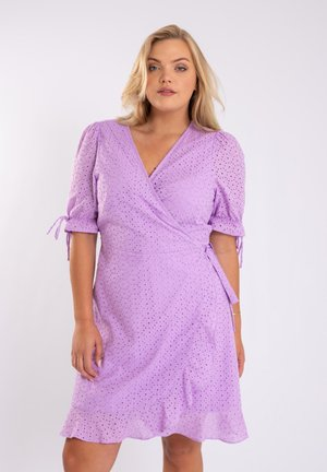 MET BRODERIE - Day dress - lila