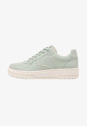 MIT DETAILS  - Sneakers - green