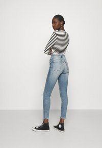 Calvin Klein Jeans - HIGH RISE ANKLE - Jeans Skinny Fit - denim medium - 2