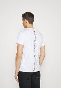 Key Largo - TIRES ROUND - Print T-shirt - white - 2