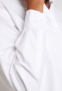 Tommy Jeans - CLASSICS - Button-down blouse - white - 5