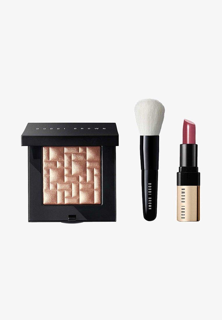Bobbi Brown - BUDDING CHEEKS & LIPS SET - Makeup set - -