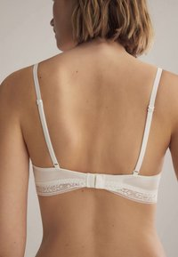OYSHO - Triangle bra - white - 1