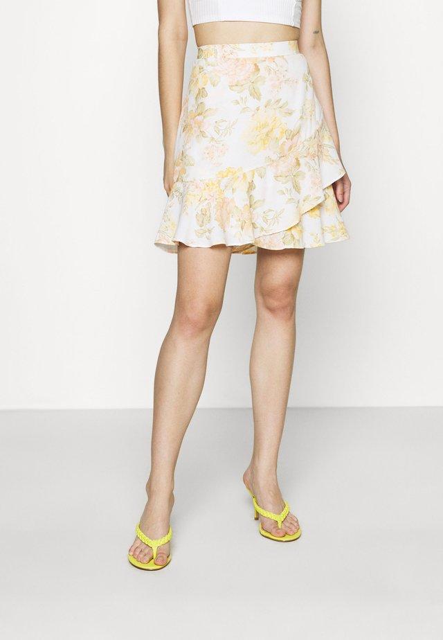 GISELLE RUFFLE SKIRT - Mini skirt - vintage splendor