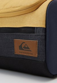 Quiksilver - CAPSULE  - Wash bag - honey heather - 3