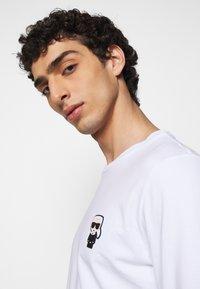 KARL LAGERFELD - CREWNECK - Long sleeved top - white - 3