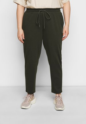 LOOSE FIT PANTS - Pantalones deportivos - rosin green