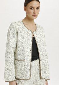 Soaked in Luxury - SLBANKS - Light jacket - viol print whisper white - 3