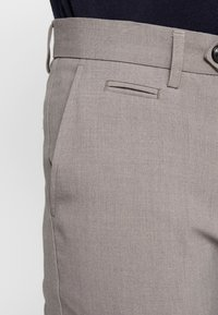 Lindbergh - CLUB PANTS - Trousers - sand mel - 4
