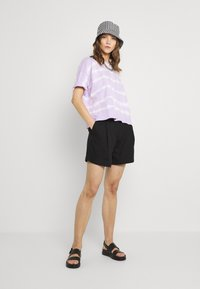 Monki - Shorts - black - 1